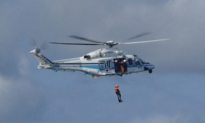 若松海上保安部人命救助訓練